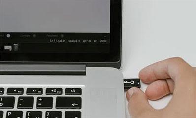 SDカードをパソコンに挿しても画像・写真などが 表示されない場合の対処法